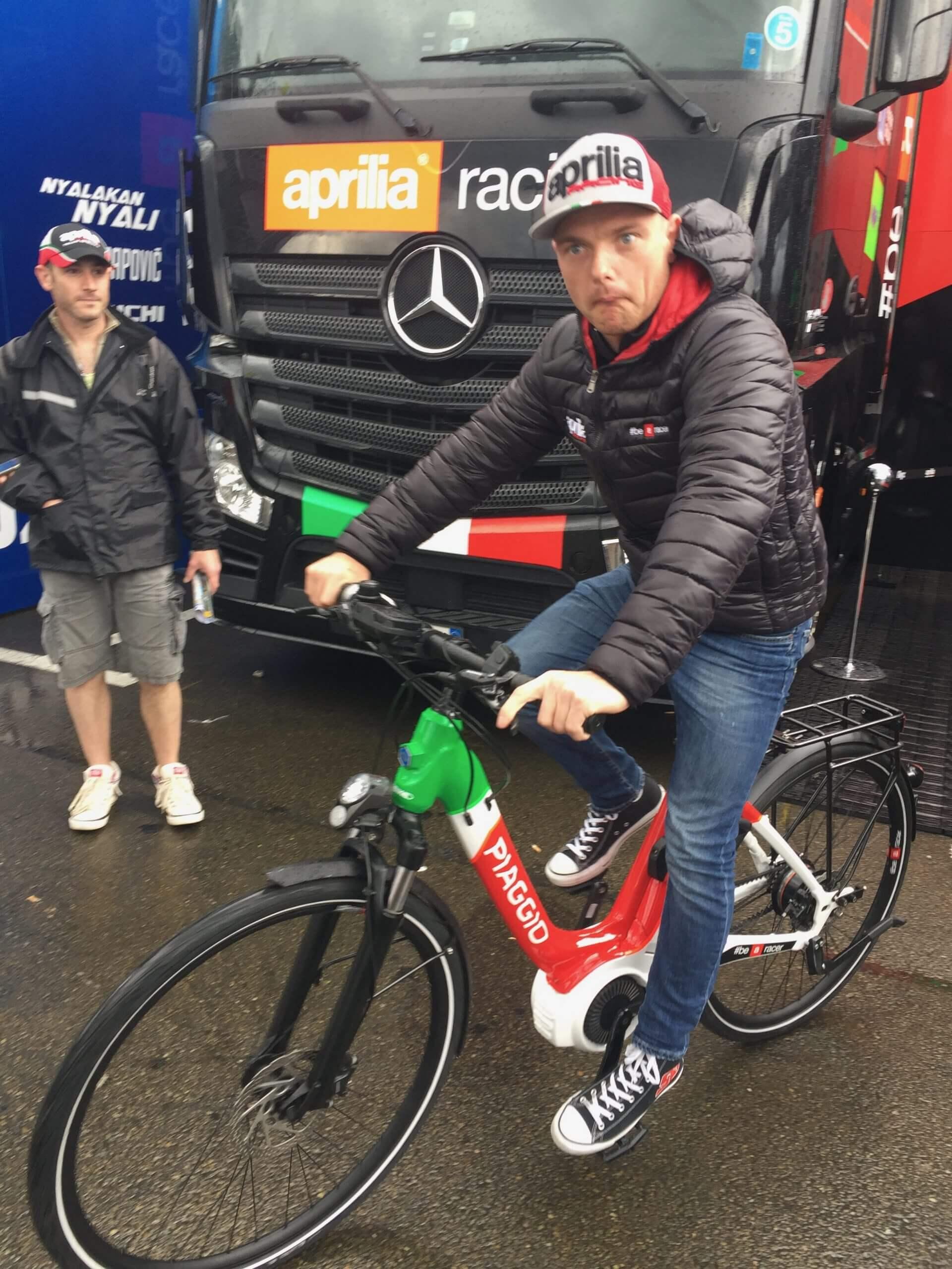 Aleix Espargaro au Moto GP 2017 en Vélo