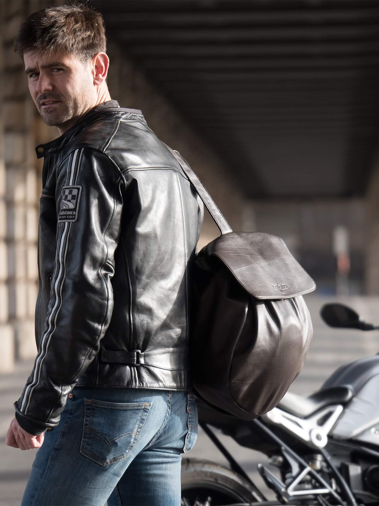 Porter votre Casque Moto avec classe