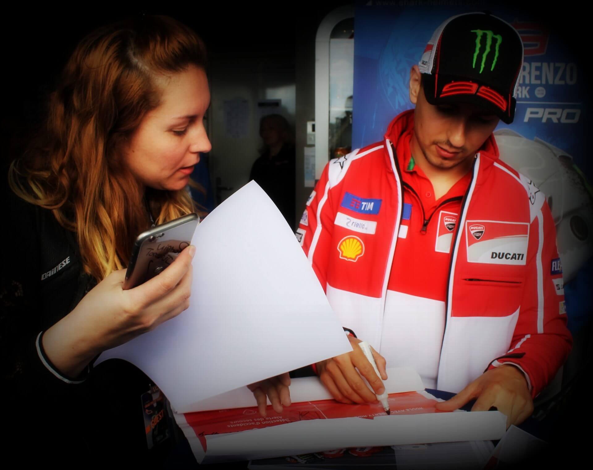 Jorge Lorenzo dédicasse au Moto GP