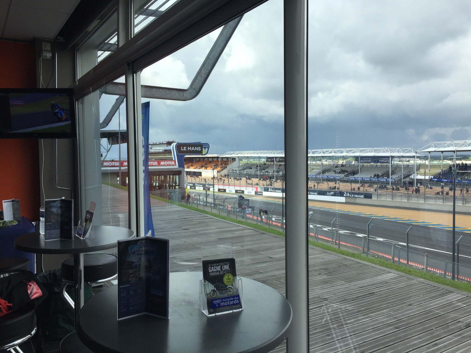 La vue du Moto GP 2017 depuis Mutuelle des Motards