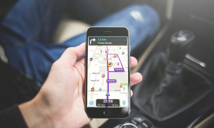 Comparatif application GPS moto : Waze