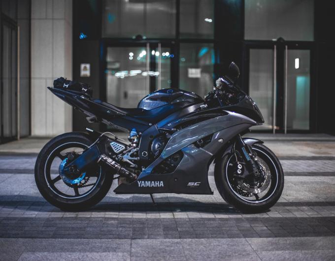 Acheter sa moto d'occasion, neuve ou en leasing ?