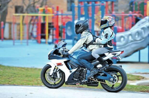 Avoir un passager moto enfant : nos conseils