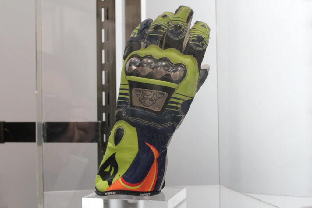 Les gants de Rossi en 2016