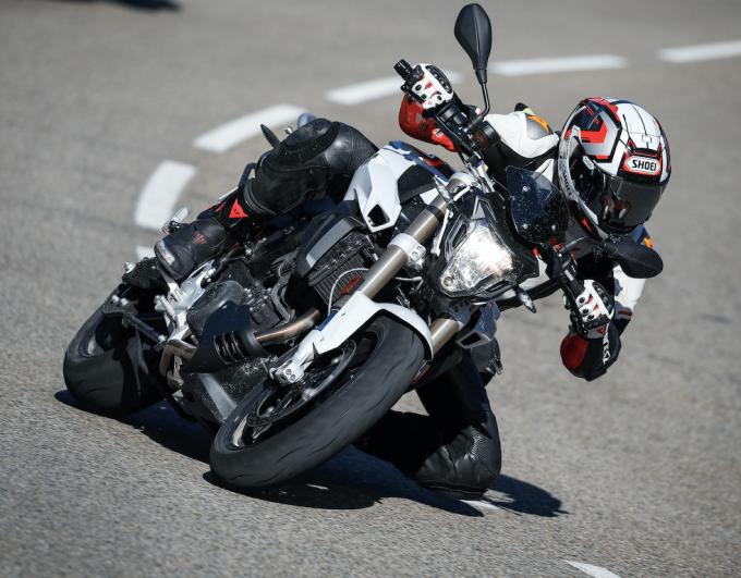 Test moto : la F800R de BMW vue par Carbone23 !