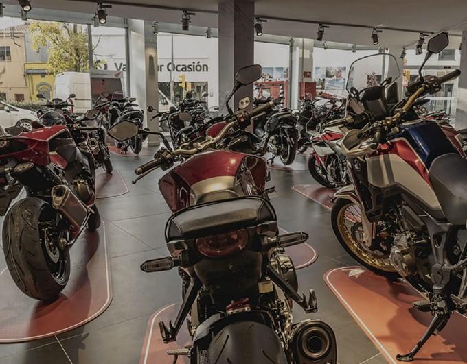 Confinement, commerces moto et auto-écoles